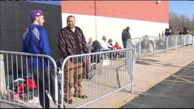 News video: Best Buy Gray Thursday Shoppers